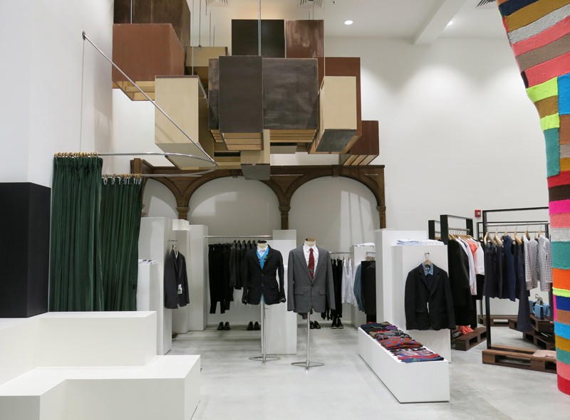 Head over to Dover Street Market in NoMad NY for all the best offerings in high-end and boutique fashion