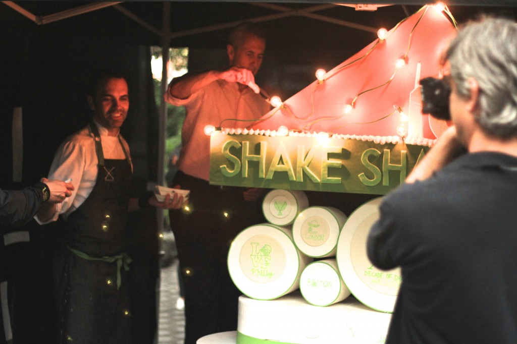 dominique ansel and danny meyer cut the shake shack cake