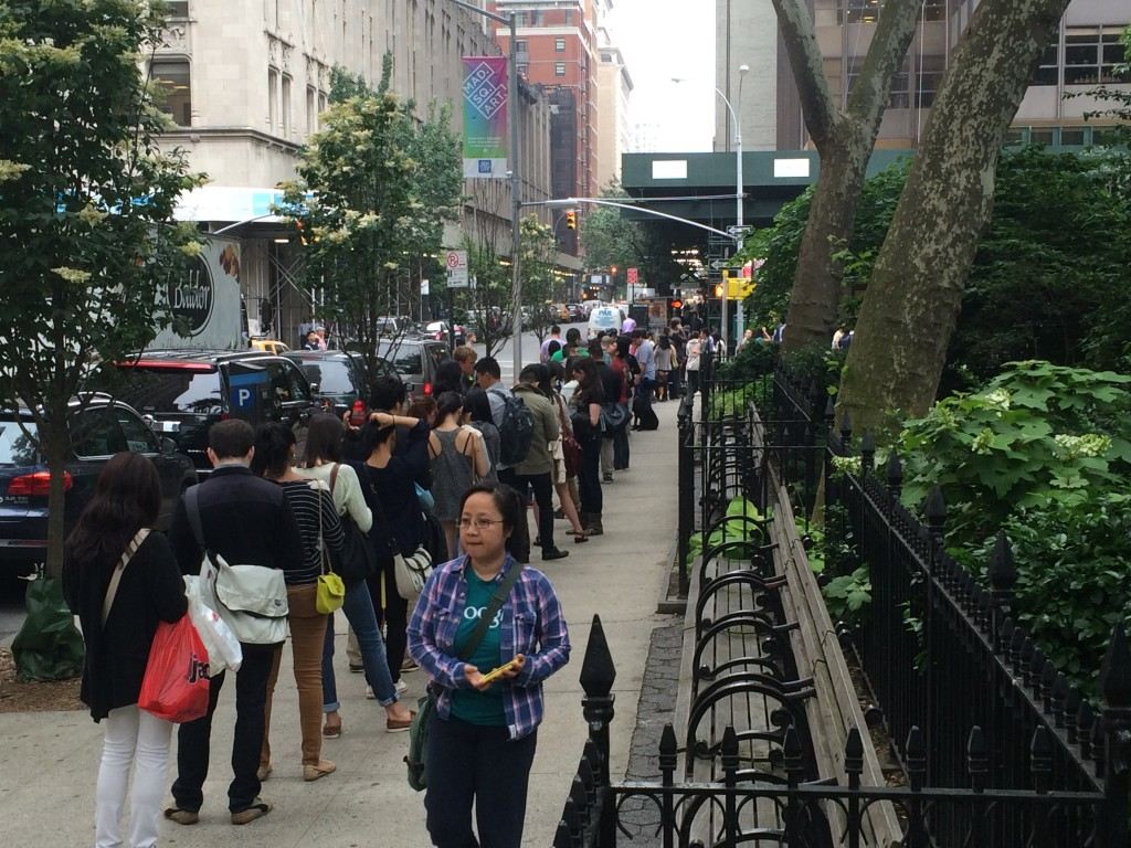shake shack daniel humm burger line in madison sq