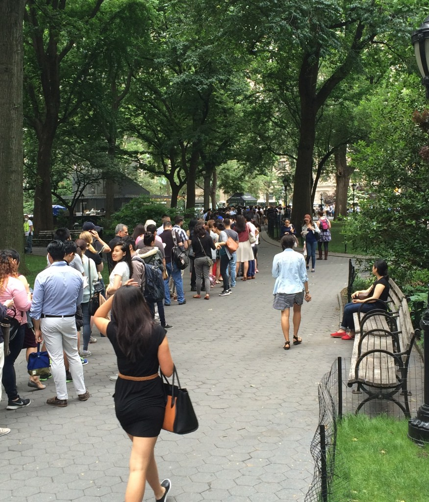 shake shack's longest line ever for david chang's burger