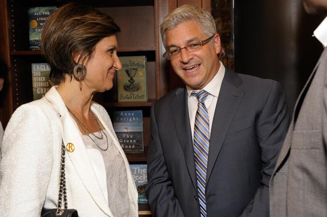 Laura Donnini, CEO, RCS Libri speaking with Jeff Abraham, President, Penguin Random House.