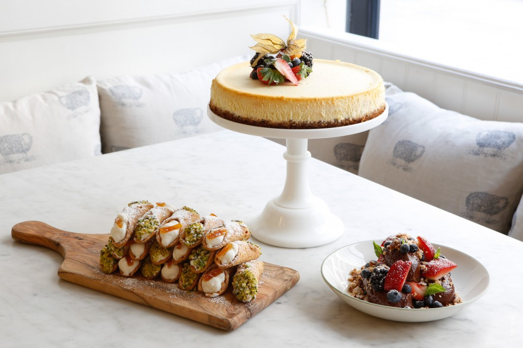 La Pecora Bianca offers NoMad catering service with desserts