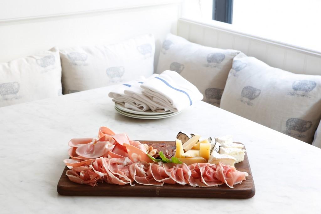 la-pecora-bianca-nomad-catering-platter